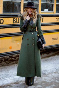 Look militaire à la Fashion Week de New-York.  #NYFW #Street #Look