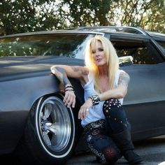London Music Hall is a web site passionate about music.We love music and here you will find everything related to the music world. Cherie Currie, Lita Ford, Joan Jett, Running Away, London, Songs, Music, Beautiful, Royals