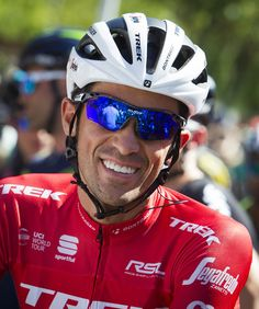 """Trek-Segafredo Spanish cyclist Alberto Contador smiles prior to the start of the 4th stage of the 72nd edition of """"La Vuelta"""" Tour of Spain cycling race, a 198,2km route between Escaldes-Engordany to Tarragona on August 22, 2017. / AFP PHOTO / JAIME REINA"""
