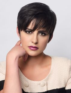 Jacqueline Toboni as Trubel in the TV series Grimm. Grimm Tv Series, Grimm Tv Show, Grimm Cast, Wedding Humor, Pixie Cut, Woman Crush, Smallville, Hair Goals, Short Hair Styles
