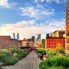 A gorgeous evening for a walk on the High Line - @jeffreynyc