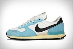 Nike Air Vortex in Vintage White-Blue.
