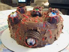 eyeball halloween cake