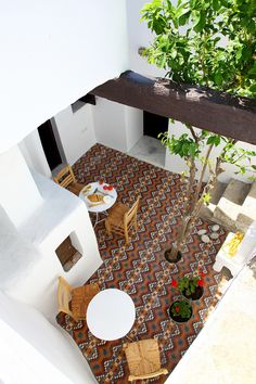 Eclectic traditional greek house design in Skyros by George Carabellas of Outdoor Rooms, Outdoor Gardens, Outdoor Living, Outdoor Tiles, Outdoor Furniture, Patio Design, Exterior Design, House Design, Design Design