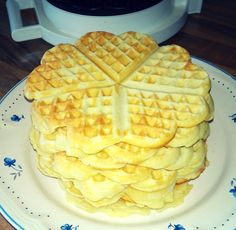 Dory, Yummy Cakes, Waffles, Muffins, Deserts, Food And Drink, Sweets, Breakfast, Grill