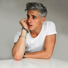 result for silver grey hair men gun metal Mens Modern Hairstyles, Stylish Haircuts, Haircuts For Men, Cool Hairstyles, Latest Hairstyles, Braided Hairstyles, Scene Hairstyles, Men's Haircuts, Hairstyles Videos