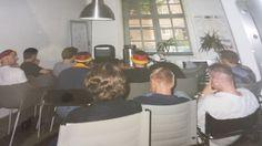 Memories ... so sah Public Viewing um Büro bei uns 2002 aus. Nächste Woche zeigen wir euch, wie das heute geht! :-)