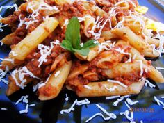 veselie in bucatarie: Penne con sugo del ciarlatano Penne, Bacon, Cooking Recipes, Chicken, Meat, Breakfast, Food, Chef Recipes, Hoods