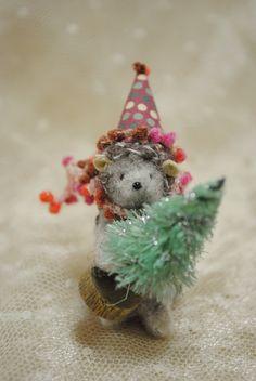 Needle Felted  Christmas Hedgehog by JunJunLittleBear on Etsy, $32.00