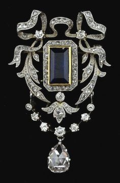 Fabulous antique brooch with diamonds and sapphire
