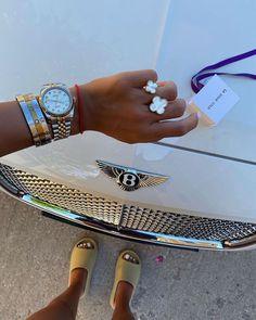 Boujee Lifestyle, Luxury Lifestyle Women, Estilo Madison Beer, Bougie Black Girl, Luxe Life, Rich Girl, Cute Jewelry, Luxury Jewelry, Designer Shoes