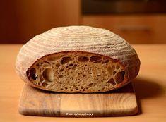 PODMÁSLOVÝ KVÁSKOVÝ CHLÉB Bread Recipes, Cooking Recipes, Veggie Patties, Sourdough Bread, How To Make Bread, Ham, Food And Drink, Veggies, Baking