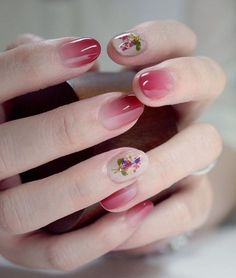Ombre nails are very trendy now. You can achieve the desired effect by using nail polish of different colors. To help you look glamorous, we have found pictures of beautiful nails. Gradient Nails, Red Nails, Acrylic Nails, Cherry Nails, Cute Nails, Pretty Nails, Nail Art Designs, Nails Design, Nail Polish