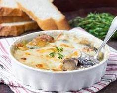 Gratin aux champignons et thon express : http://www.cuisineaz.com/recettes/gratin-aux-champignons-et-thon-express-11822.aspx