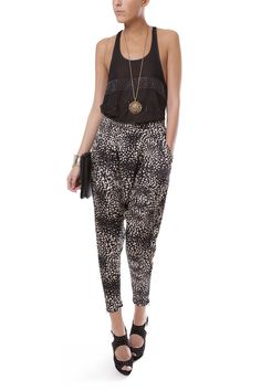 TAPERED PRINT PANTS