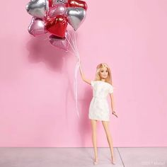Love is in the air, happy #ValentinesDay! #barbie #barbiestyle