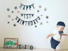 ☺︎☺︎ * happy birthday ! ! ! * * today is his 1st birthday ☺︎ * * #たいぞう#1歳#1歳誕生日 #コボちゃん #コボちゃんカット #昭和の子 #ママリ#ママリ親バカ部 #ママリはじめて記念日 #コドモノ#kids#ig_kids #kids_japan #はらぺこあおむし足型アート #すぐに逃げ出す #この顔が好き#おでぶちゃん