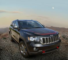 Picture of a black 2013 Jeep Grand Cherokee Trailhawk special edition. Photos courtesy of Jeep. Jeep Grand Cherokee Models, Jeep Grand Cherokee Accessories, Jeep Grand Cherokee Laredo, Jeep Grand Cherokee Limited, Srt8 Jeep, Jeep Trailhawk, Grand Cherokee Trailhawk, Jeep Wk, Cars