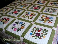 Entretelas: Baltimore de Isi Amish Quilt Patterns, Applique Quilt Patterns, Amish Quilts, Easy Quilts, Colchas Quilting, Quilt Stitching, Free Motion Quilting, Quilting Projects, Quilted Gifts