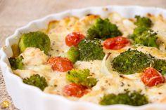 Que tal mudar a cara daquele filé de frango de todo dia? Fizemos esta receita de Filé de Frango com Brócolis ao forno. E o melhor: Dá pra ser light.