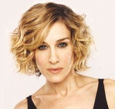 Curly Hairstyles for Oval Faces_Stacked Side-Part - Hair Style Choppy Bob Hairstyles, Haircuts For Curly Hair, Curly Hair Cuts, Short Hair Cuts, Curly Hair Styles, Shaved Hairstyles, Thin Hair, Oval Face Shapes, Oval Faces