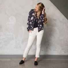 Spring New, White Jeans, News, Pants, Fashion, Trouser Pants, Moda, La Mode, Women's Pants