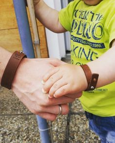 #Love is in the Air  #father #son #baby #children #Kinder #bracelet #armband #leder #leather #accessories #schmuck #fashion #ootd #kidsworld #kids  #photooftheday #mode #Boho #Design #lifestyle #vsco #loveit #graz #Österreich #austria #cowstyleday2day Leather Accessories, Austria, Fathers Day, Vsco, Ootd, Children, Kids, Crafty, Bracelet