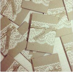 Invitations/brown/lace
