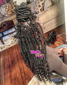 Fauxlocs Goddesslocs #fauxlocs #goddesslocs #dreadstyle Black Girl Braids, Braids For Black Hair, Girls Braids, Faux Locs Hairstyles, African Hairstyles, Baddie Hairstyles, Goddess Locs, Colored Box Braids, Black Girls Hairstyles