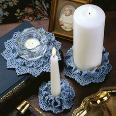 LeisureArts online has wide collections of crochet candle holder pattern that designs are of Candle Ring & Votive Doily. Enhance the romantic mood of candlelight.Candle Dress-Ups Thread Crochet Patterns ePatternRisultati immagini per crochet tealight Crochet Books, Crochet Home, Thread Crochet, Crochet Motif, Crochet Crafts, Crochet Doilies, Crochet Flowers, Crochet Projects, Crochet Patterns