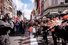 Et en #musique ! #music #streetmusic  #luvemusic #sky #city #ambiance #lille #lillemaville #igerslille #igersfrance #manifestation #1ermai #picoftheday #wazemmes #wazemmeslavie #street #streetphotography #hautsdefrance #hautsdefrance_inlive #nikonfr #sigmaphotofr