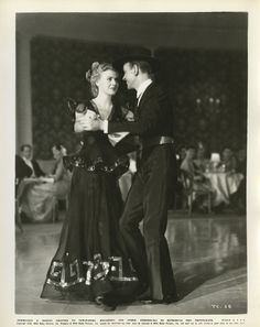 Key-book stills of Fred Astaire and Ginger Rogers from The Story of Vernon and Irene Castle. Old Hollywood Movies, Golden Age Of Hollywood, Vintage Hollywood, Hollywood Glamour, Classic Hollywood, Kiss Illustration, Fred And Ginger, Dancing King, Ginger Rogers