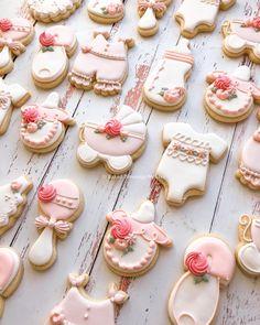 Welcome little lady #babyshowercookies #babygirlcookies Baby Girl Cookies, Baby Shower Cookies, Blessings, Blessed, Lisa, Sugar, Baking, Desserts, Food