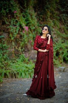 : New Launch Vichitra Silk Ruffle Design Saree Collections ~ My Shop Open - Online Wholesale & Reseller Indian's Most Boooking. Fancy Sarees, Party Wear Sarees, Indian Sarees, Silk Sarees, Saris Indios, Indische Sarees, Party Kleidung, Saree Photoshoot, Designer Sarees