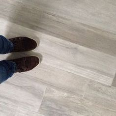 Serie travel Eastgrey Supergres formati 15x120cm - 20x120cm #floor #tiles #gresporcellanato #piastrelle #supergres #travel #effettolegno #ceramicapiù