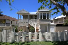 Brisbane's luxury home builders, MCD Construction, renovates homes of all shapes and sizes, from iconic Queenslanders to award-winning modern homes. Queenslander, Australian Homes, Garages, Home Builders, The Hamptons, Luxury Homes, House Ideas, New Homes, Houses