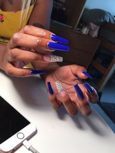 """If you're unfamiliar with nail trends and you hear the words """"coffin nails,"""" what comes to mind? It's not nails with coffins drawn on them. It's long nails with a square tip, and the look has. Sexy Nails, Trendy Nails, Prom Nails, Long Acrylic Nails, Long Nails, Finger, Fire Nails, Nail Games, Gorgeous Nails"""