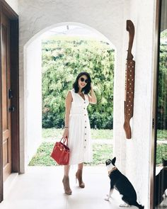 It has been a while since I've done a post so here is one from earlier this week. You can never go wrong with a white… Chic Office Outfit, Office Fashion, Business Fashion, Work Fashion, Office Chic, Office Style, Heart Evangelista, Filipina Actress, Interview Style
