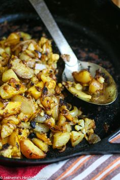 These Hash Brown Cauliflower and Potatoes make a healthy & #glutenfree #breakfast any day of the week!
