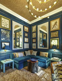Markham Roberts' study at the Kips Bay Decorator Show House blue blue blue living room Home Interior, Interior And Exterior, Interior Decorating, Interior Design, Decorating Ideas, Decor Ideas, Kips Bay Showhouse, Turquoise Room, Gold Ceiling