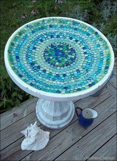 New Glass Bird Bath Mosaic Birdbath Ideas Mosaic Crafts, Mosaic Projects, Mosaic Art, Mosaic Glass, Pebble Mosaic, Stained Glass, Garden Crafts, Garden Projects, Garden Art
