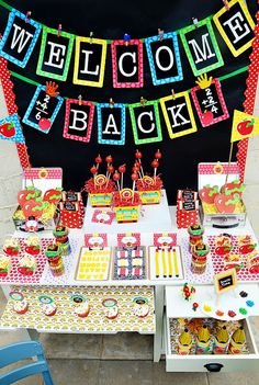 Free Back to School Printable Party Set plus adorable party ideas #BackToSchool