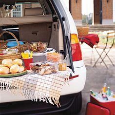 9 Tailgate Menus... YES I do plan on tailgating this year for some football games! :)