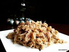 Bigos to jedna z tradycyjnych polskich potraw, która pojawia się na świątecznych stołach w większości domów. Ma on wiele odmian a jego smak zależy od proporcji użytych składników. W każdej wersji najlepiej smakuje odgrzewany, i to wielokrotnie ;) Dzisiaj dzielę się z Wami przepisem na bigos według r Fat Bombs, Lchf, Oatmeal, Paleo, Low Carb, Whole30, Breakfast, Food, The Oatmeal