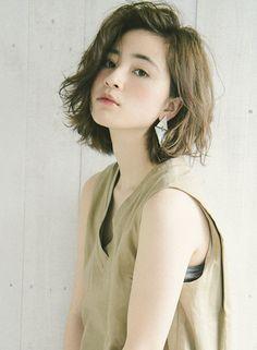 切りっぱなし×カーキグレージュボブ 【MINX harajuku】 http://beautynavi.woman.excite.co.jp/salon/3381?pint