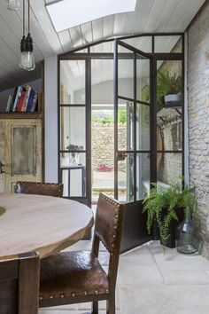 Interior Architecture and Interior Design Project | Cotswold Country House — Gunter & Co Cotswold Cottage Interior, Cotswold House, Country Cottage Interiors, Country House Interior, House Extension Design, House Design, Cottage Extension, Side Extension, Extension Ideas