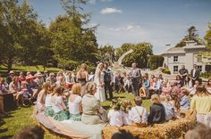 Outdoor Wedding - This is a great way to create a truly intimate wedding! #outdoorweddings