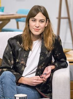 Alexa Chung - With Lorraine Kelly at the Lorraine show studios in London.  (November 2014)