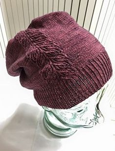 Knitting Charts, Knitting Stitches, Crochet Chart, Knit Crochet, Small Knitting Projects, Knitting Ideas, Knitting Magazine, Crafts To Do, Beanie Hats