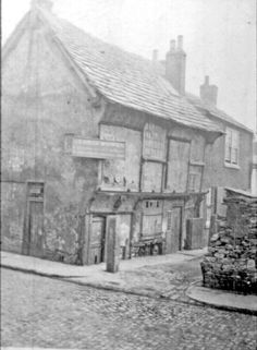 Old Queen's Head Public House., No 40, Pond Hill. Formerly the Hall in the Ponds, earliest mention was in 1582 in an 'inventory of contents' made by George, the Six Earl of Shrewsbury. In 1770, referred to as the former wash-house to Sheffield Manor